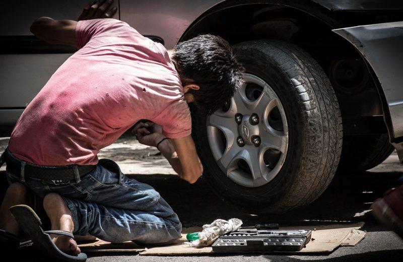Comment choisir son service de dépannage auto