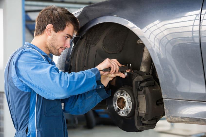 Quels sont les équipements indispensables à un professionnel de l'automobile