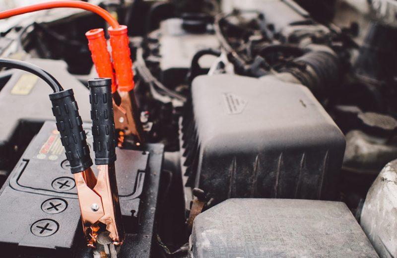 L'importance de bien entretenir la batterie d'un véhicule de sport