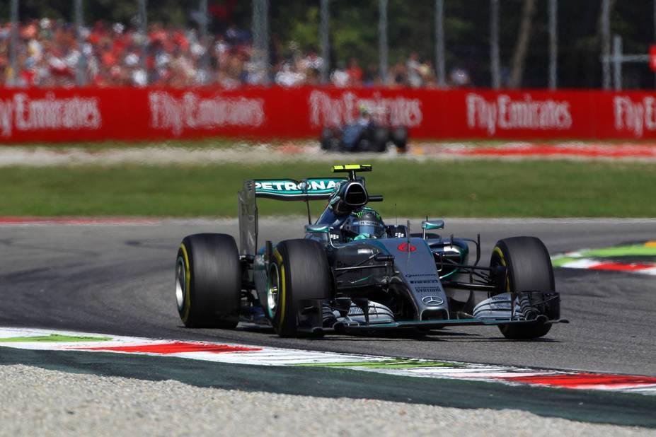 Hamilton s'impose à Monza