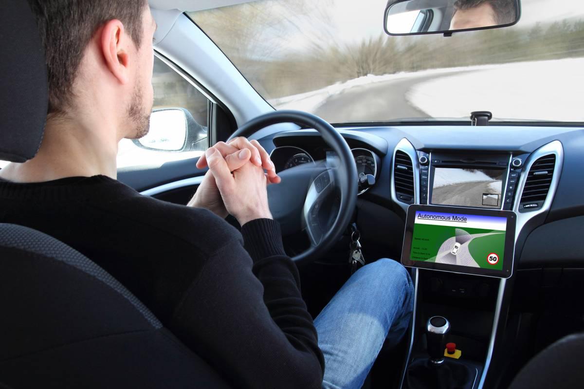 Quels sont les avantages et les risques de la voiture autonome ?
