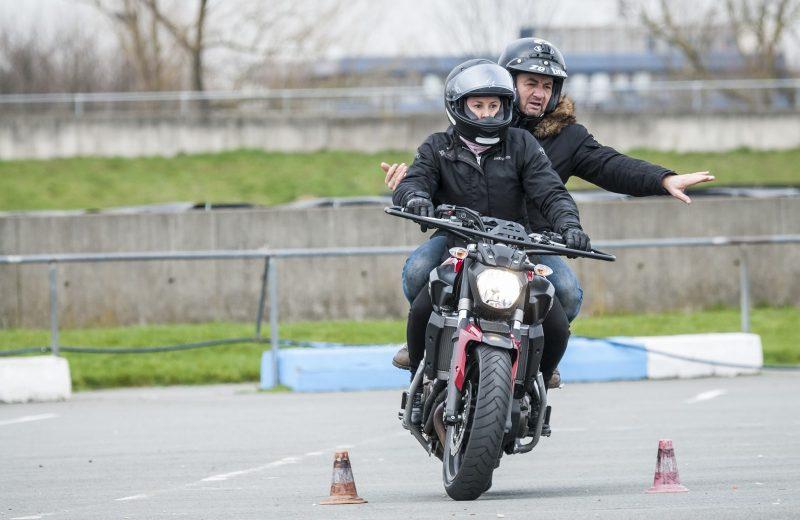 Comment passer son permis moto ?