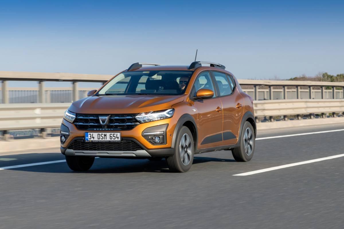 Voiture citadine : faut-il choisir Renault ou Dacia ?