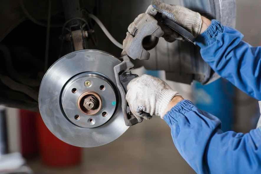 Peut-on changer ses disques de frein seul ?