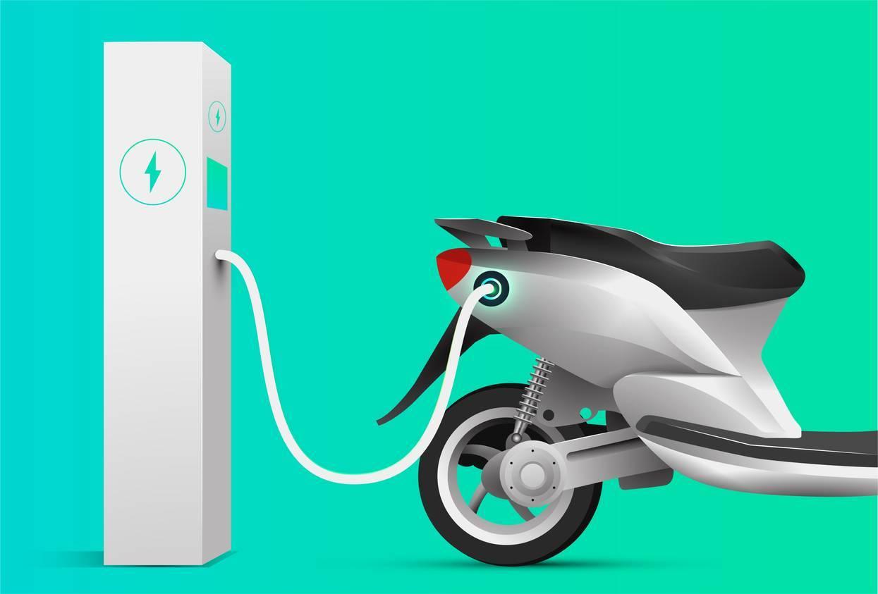 rouler en scooter électrique à Paris
