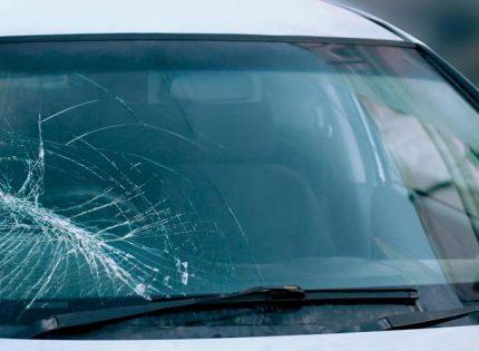 4 conseils pour bien réparer son pare-brise de voiture