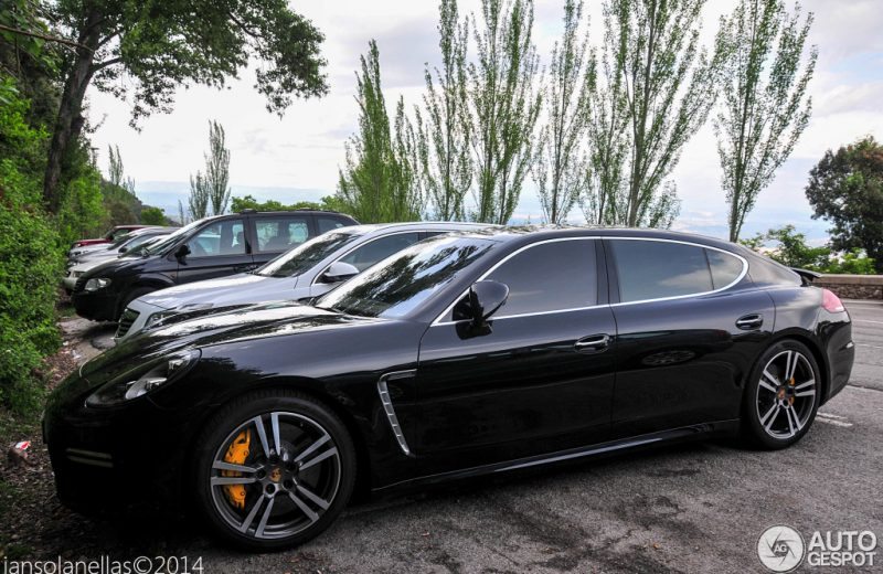 Porsche Panamera GTS 3